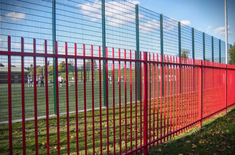 , Top 10 Tips for Choosing the Right School Fencing